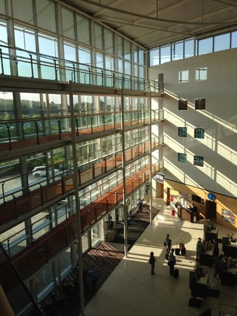 Radisson Blu Hotel London Stansted Airport: Light, space, and sun - in London & it isn't a dream