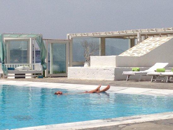 Mykonos Bay Hotel: The highest peak of relaxation.