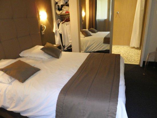 Mercure Versailles Château : ベッド