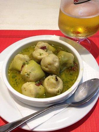 La Pícara Sitges: Baby artichokes with ham