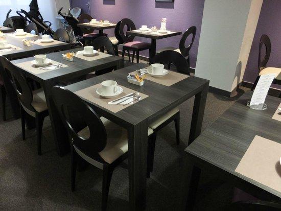 Mercure Versailles Chateau: 朝食テーブル