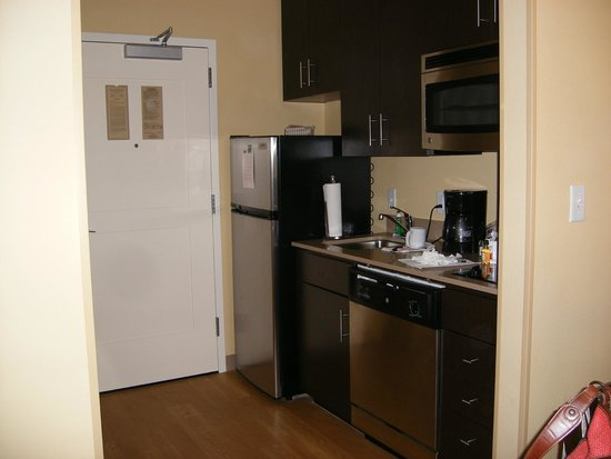 TownePlace Suites Dallas DFW Airport North/Grapevine: Kitchen