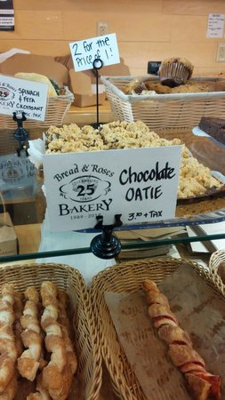 Bread and Roses Bakery : The chocolate oatie-INCREDIBLE!