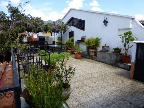 Hotel Casa Ovalle: Upstairs Patio