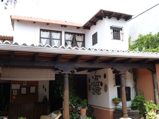Hotel Casa Ovalle: Entrance to B&B