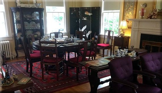 Alice Person House: The breakfast room