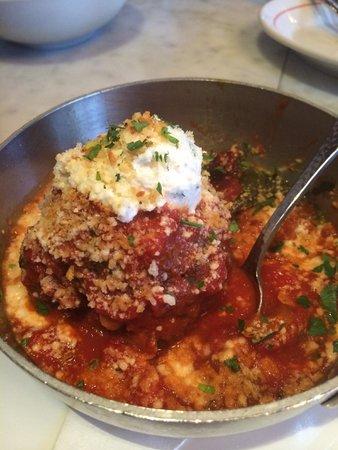 Vic & Angelo's: John's Moms Meatball