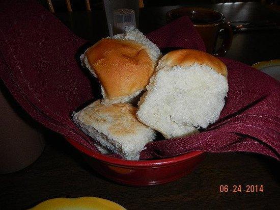 Rock River Cafe: fresh hot rolls