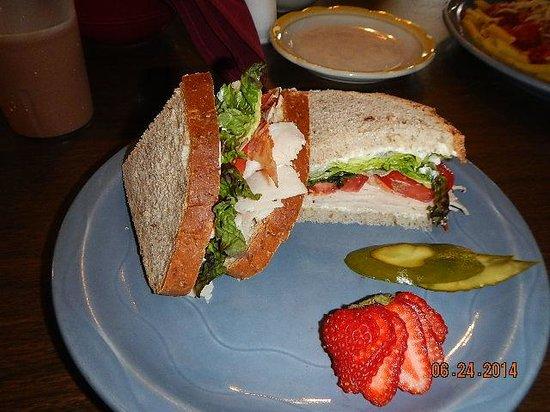 Rock River Cafe: turkey ham san