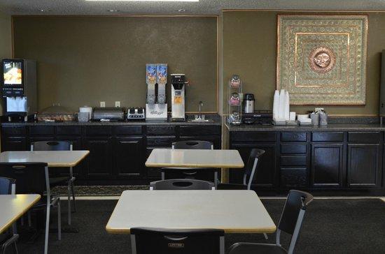 Economy Inn Seymour: New breakfast setup