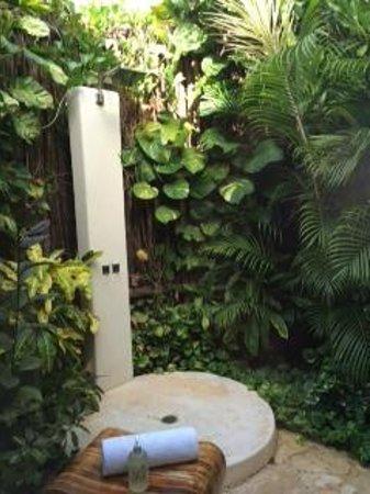 Viceroy Riviera Maya: Outside shower
