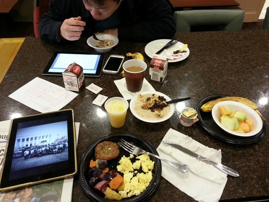 Residence Inn Silver Spring: breakfast..