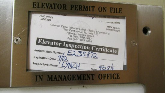 Country Inn & Suites By Carlson, Atlanta Downtown South at Turner Field: Expired Elevator Permit?