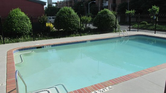 Country Inn & Suites By Carlson, Atlanta Downtown South at Turner Field: Lost Pool