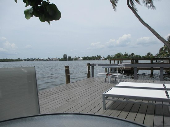 Matlacha Cottages : Love the view of the water.