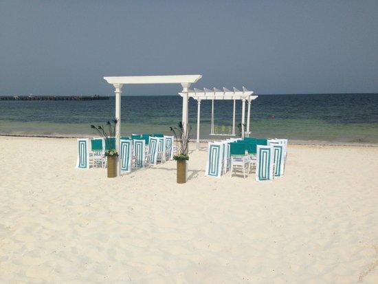 Moon Palace Cancun: wedding ceremony set up , simple & beautiful