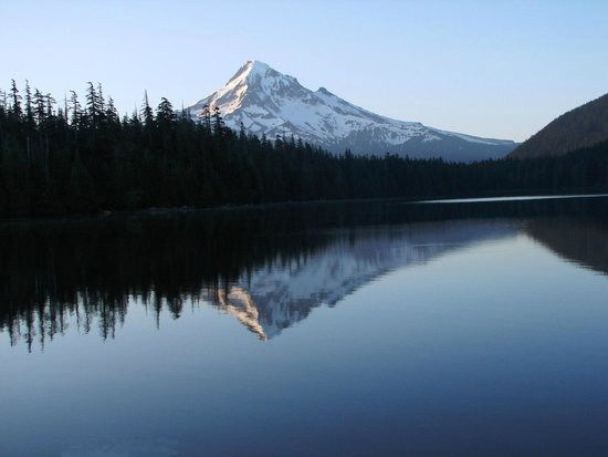 Lost Lake Resort and Campground: A Lost Lake morning with Mt Hood