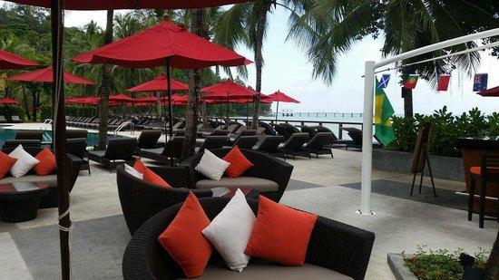 Amari Phuket: The pool next to the main restaurant