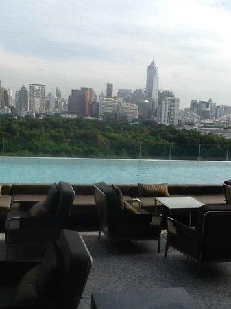 SO Sofitel Bangkok: プールからの眺め