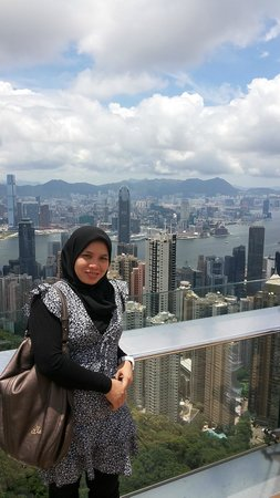 Victoria Harbour: beautifull scenery as a background