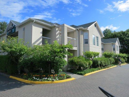 Homewood Suites Seattle - Tacoma Airport / Tukwila: Hotel grounds