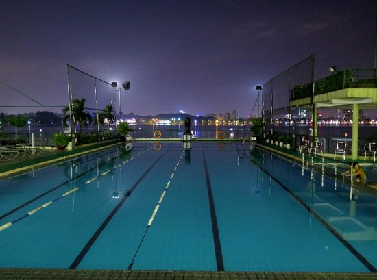 The Hanoi Club Hotel & Lake Palais Residences: Swimmin pool