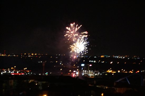La Cantera Resort & Spa: Fireworks view from our balcony