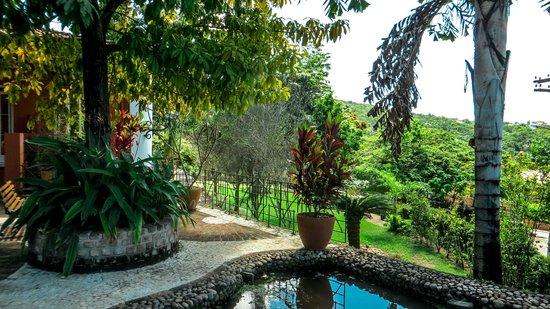 Hotel de Lencois: Jardim e vista panorâmica - Hotel de Lençóis