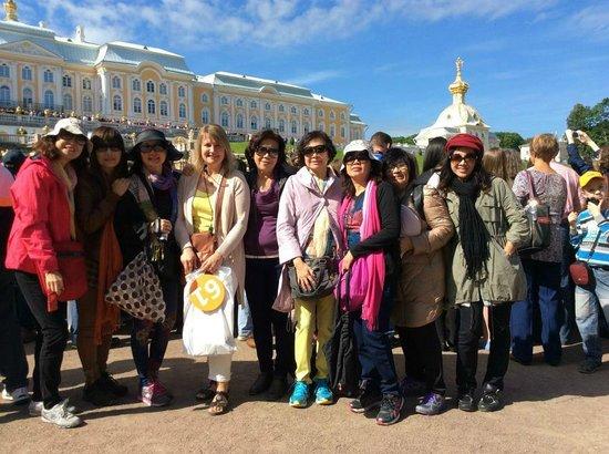 SPB Tours : With guide Alissa in Peterhof Gardens in St Petersburg