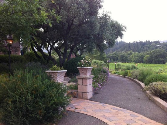 Wine Country Inn & Cottages: Loved the walks around the property!