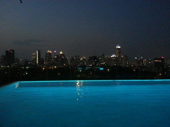 SO Sofitel Bangkok: Pool on 10th floor