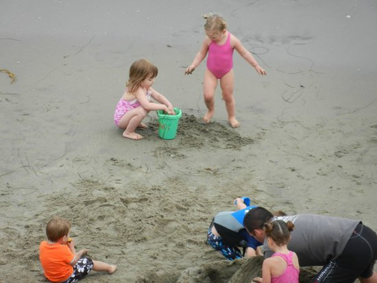 Capitola Beach: The simple life