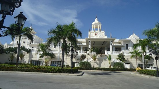 Hotel Riu Palace Punta Cana : Frente hotel