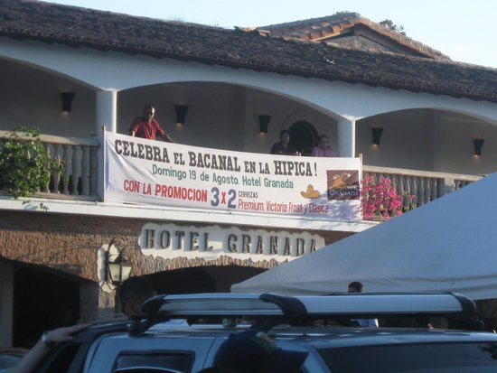 Hotel Granada: Front of Hotel