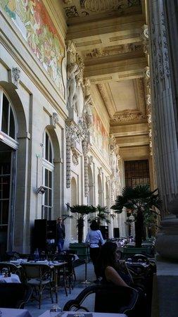 Le Mini Palais : Spectacular terrace!