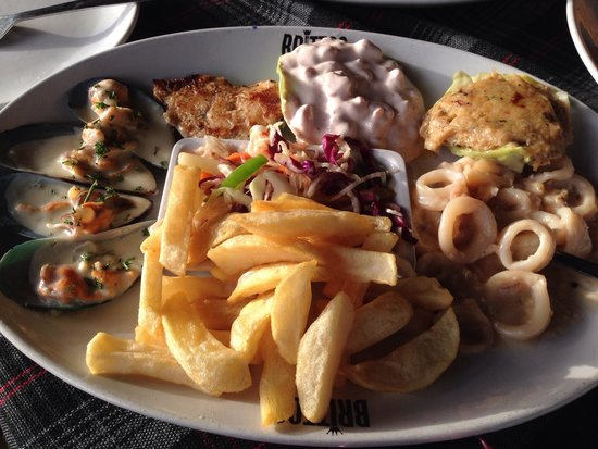 Britto's: The tasty seafood platter!