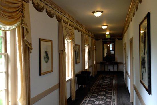 Williamsburg Inn: Hallway