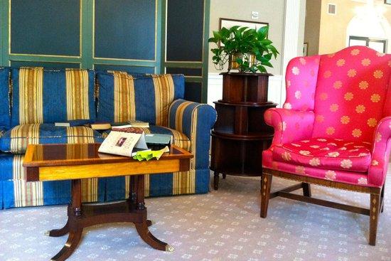 Williamsburg Inn: Main foyer