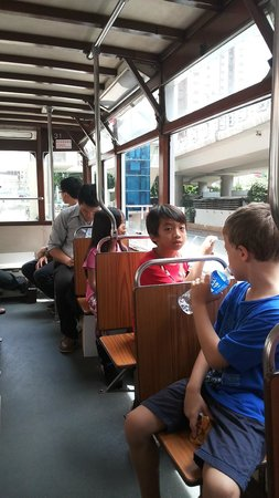 Hong Kong Tramways (Ding Ding): inside the tram