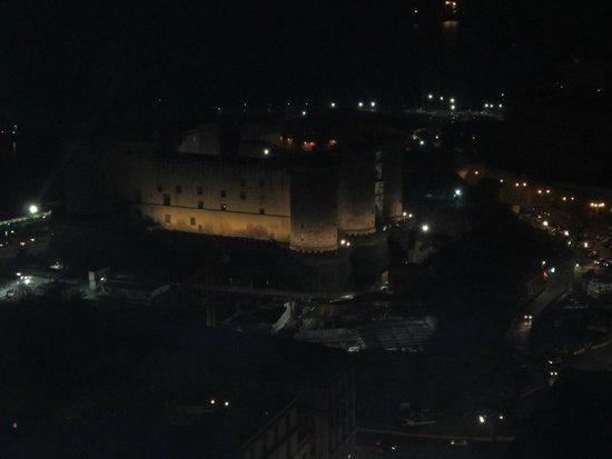 NH Napoli Ambassador: Castel Nuovo desde la habitación