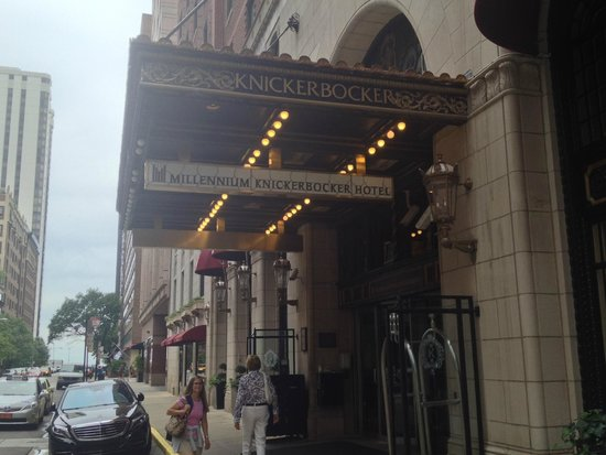 Millennium Knickerbocker Chicago: Entrance
