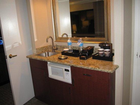 Embassy Suites by Hilton Anaheim - Orange: Wet Bar