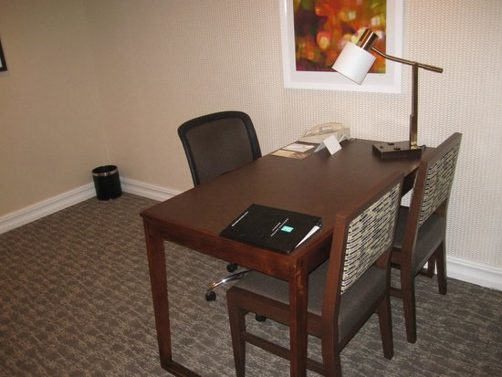 Embassy Suites by Hilton Anaheim - Orange: Work Area