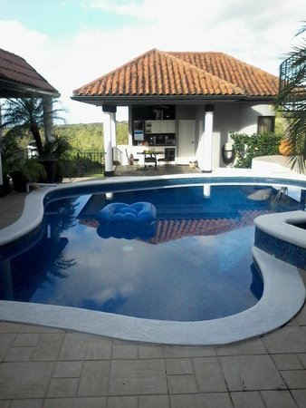 Hacienda Los Molinos Boutique Hotel: Pool view of homeowner
