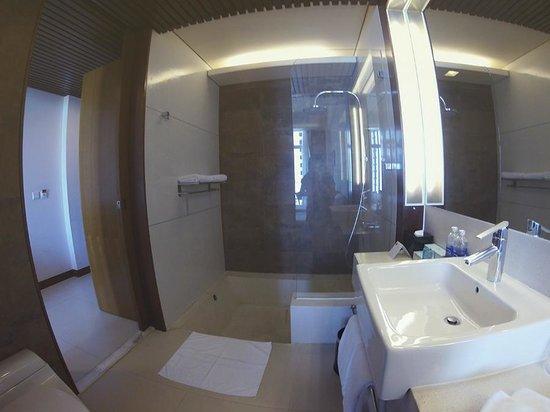 Novotel Nha Trang : Bathroom