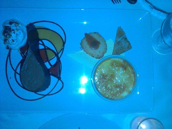 Santacafe : Best dessert in town!!