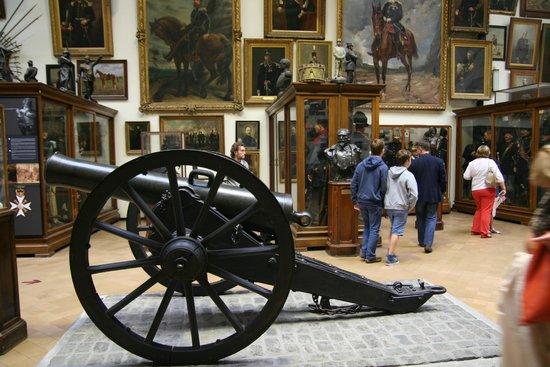 Musée royal de l'armée et de l'histoire militaire : Un paseo por la historia
