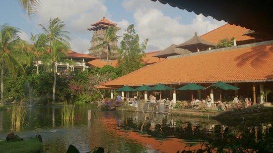 Ayodya Resort Bali : レストラン会場