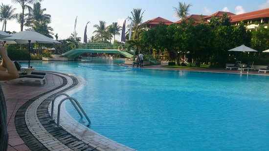 Ayodya Resort Bali : プール