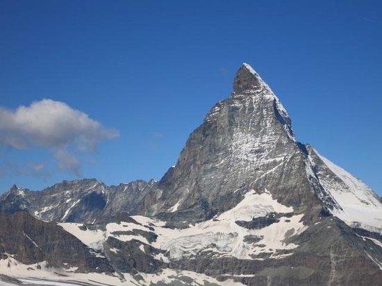 The Matterhorn: 雲がはれました!